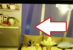 iPhone11のカメラ不具合?不良品? ナイトモード/夜景撮影時に青~緑の点・フレア・ゴーストが発生する条件/原因と対処方法